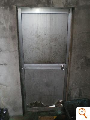 ドア入替工事Before